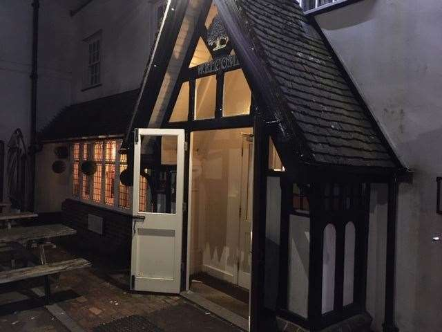 At the Royal Oak there is a small entrance porch leading into the pub from its car park at the front