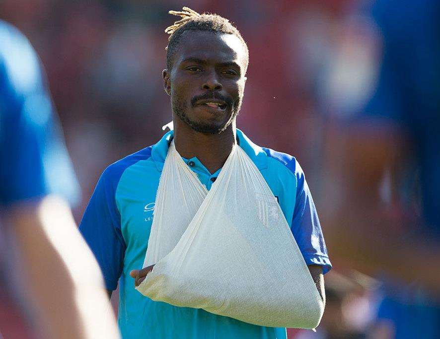 Gabriel Zakuani walks off at the end of the game after getting injured Picture: Ady Kerry (3915433)