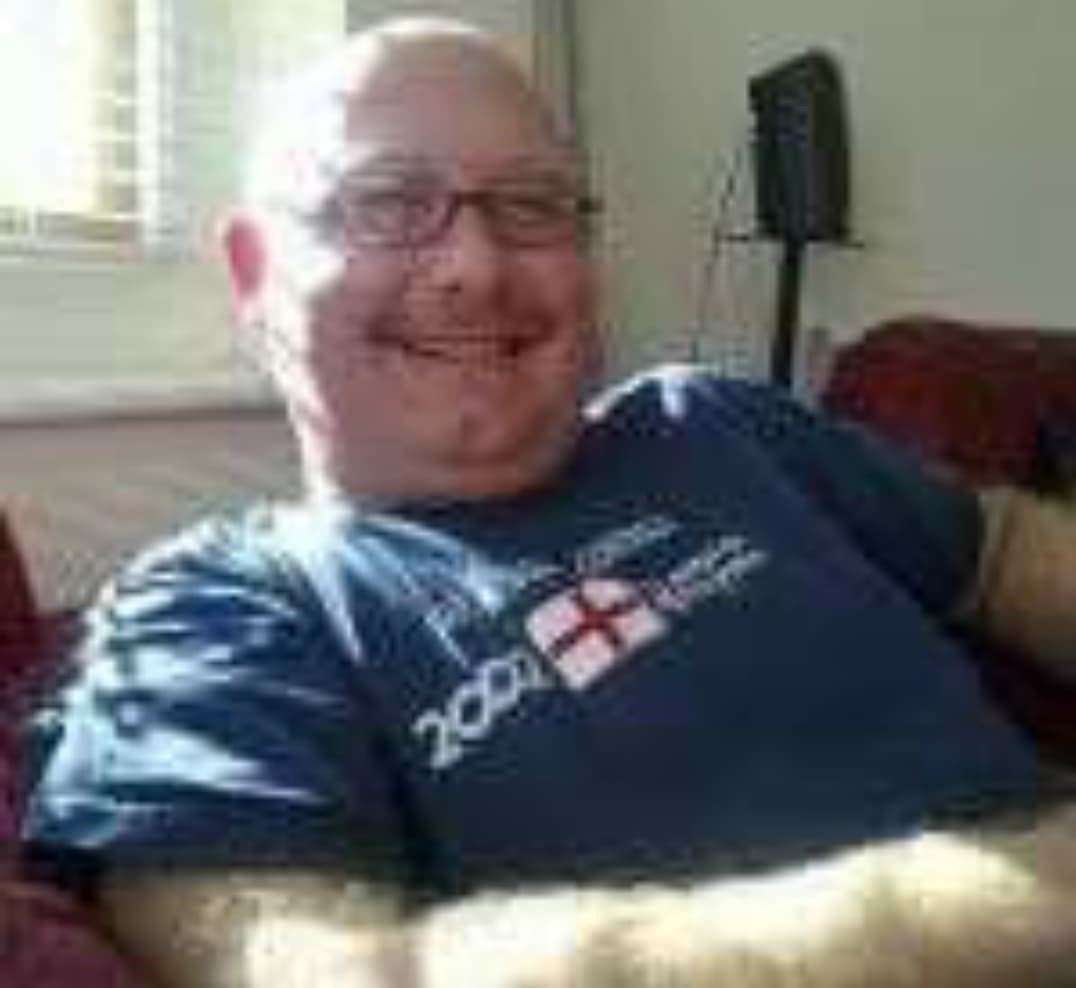 Tributes have been paid to Daren Glenister who has died, aged 54