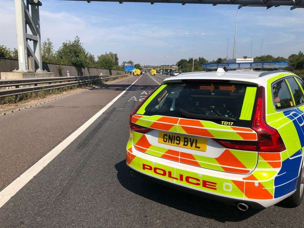 Police and ambulances are at the scene of a crash on the M25 between the Swanley Interchange and the Darenth Interchange. Pic:@kentpoliceroads (15692002)