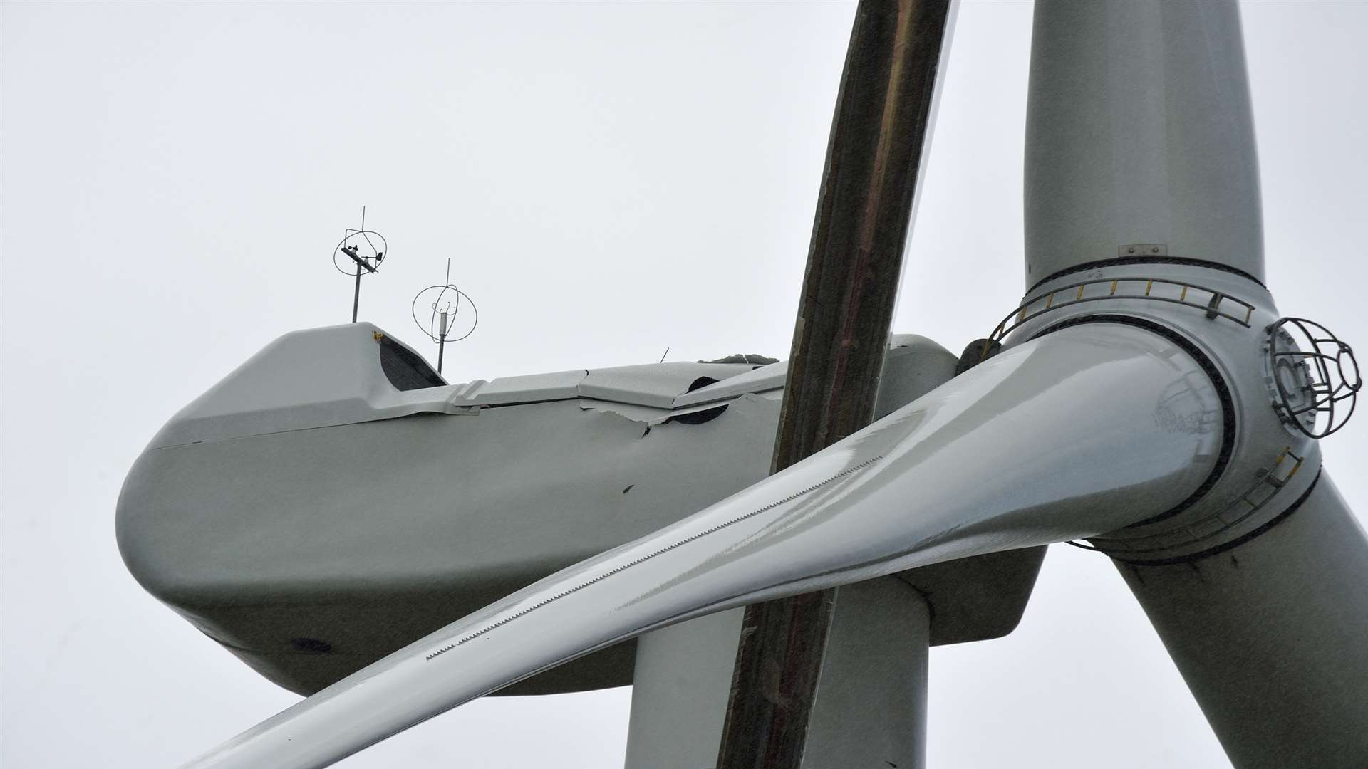 A dent can be seen in the turbine following the strike