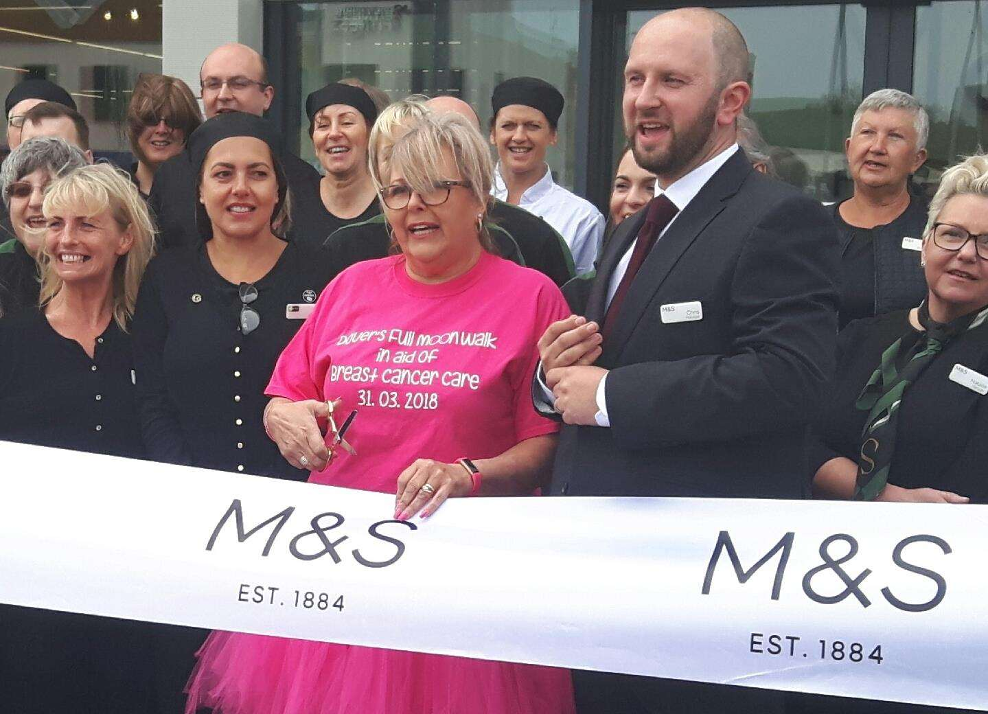 Cancer walk fundraiser Tracy Whiteaker and manager Chris Tallamy who opened the new Dover M&S Foodhall in May 2018