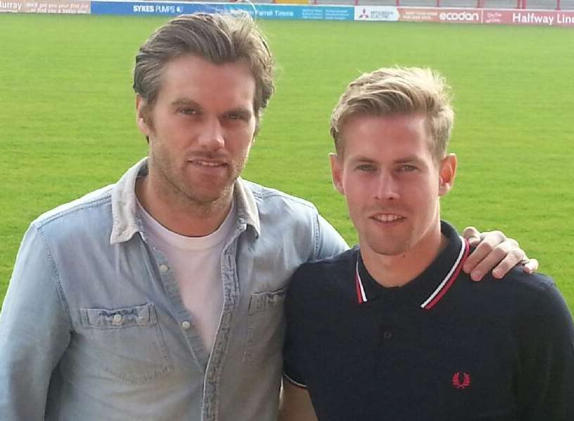 Fleet boss Daryl McMahon with new signing Jordan Parkes