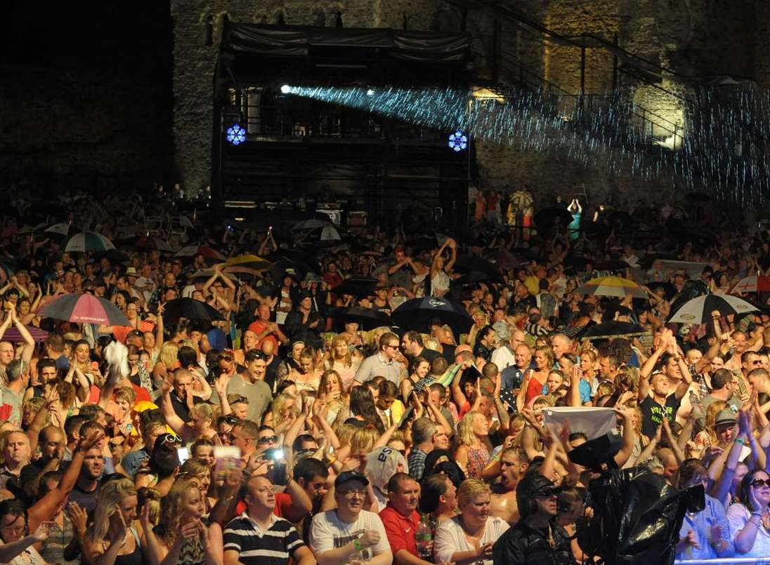 Crowds at Rochester Castle for a UB40 concert