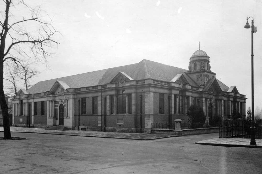 Dartford library circa 1937.