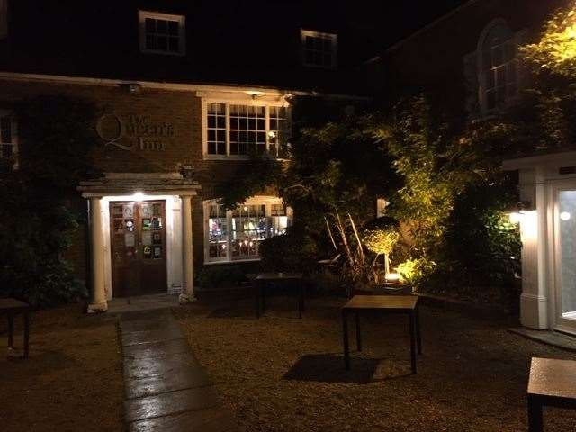 Looking good with great kerb appeal, The Queen's Inn is tastefully illuminated at night and is likely to attract drivers on the A268 to call in.