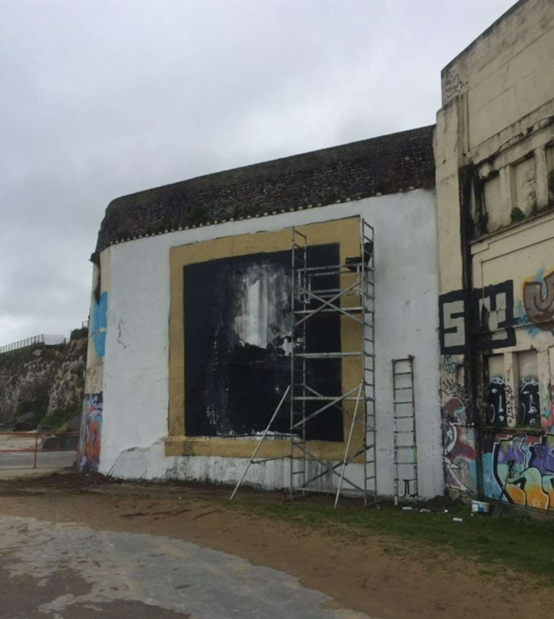 Sir David Attenborough's fresco was painted on a wall near Margate Lido.  Image: @ pad303