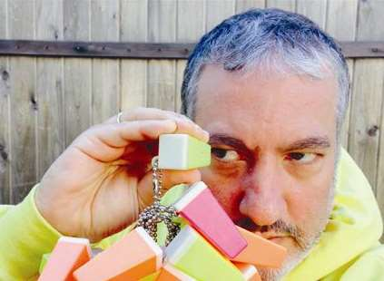 Spencer Tunick's Folkestone project starts today. The coloured boxes are the scopes which he will be putting his pictures in for each participant