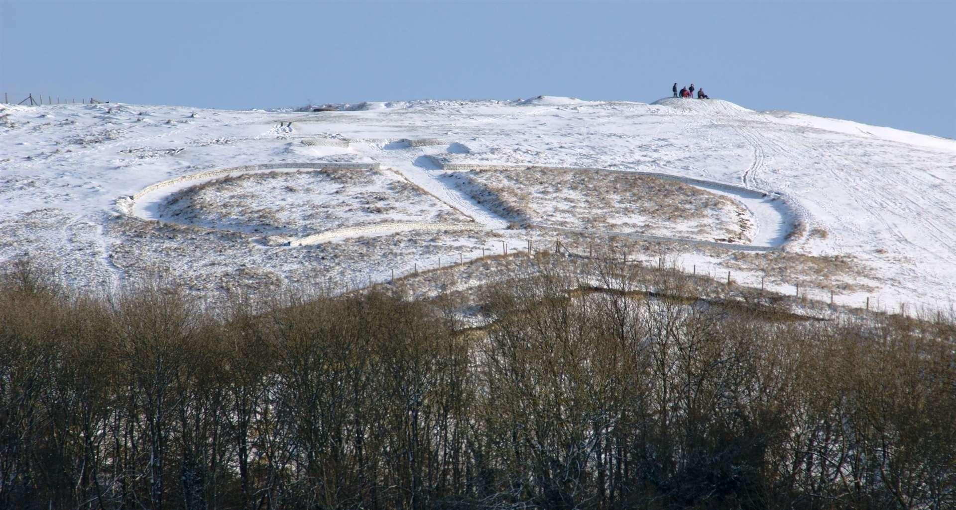La corona de Wye disfrutó de una nevada en diciembre de 2009, para deleite de los niños del pueblo. Imagen: Derek West
