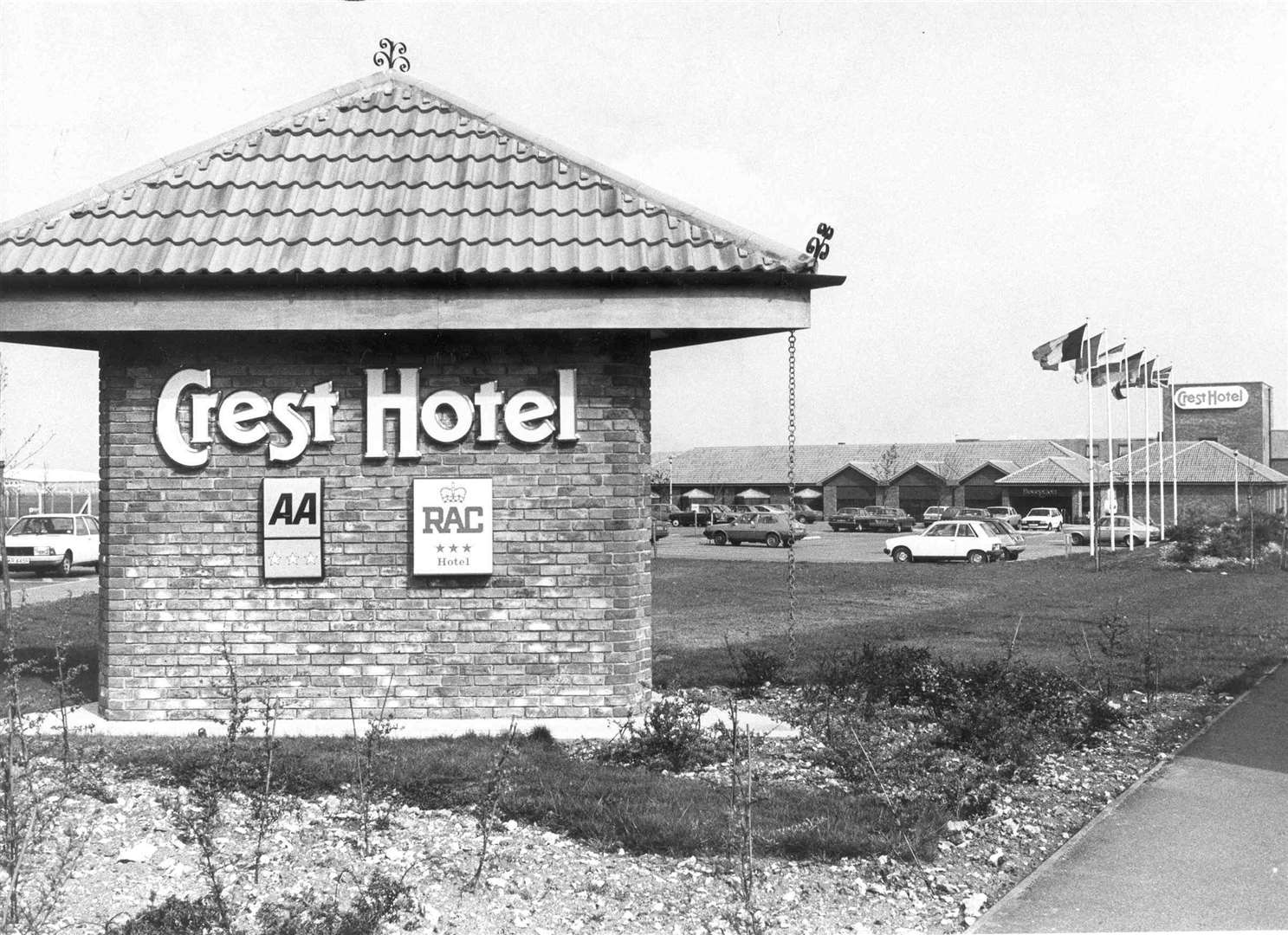Crest Hotel Rochester - April 1984